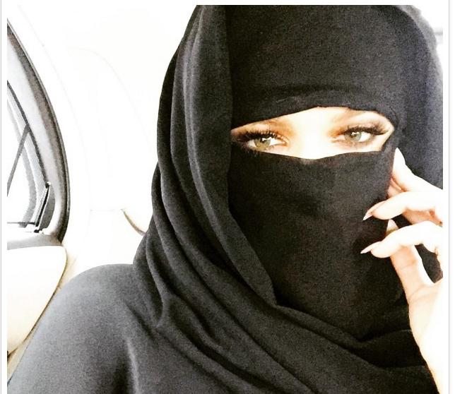 Khloé Kardashian in a Niqab
